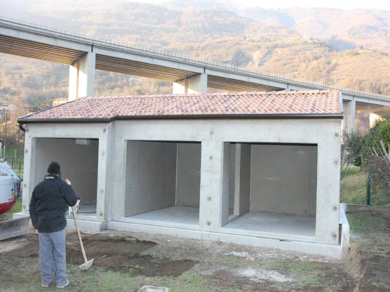Prefabbricati cemento armato for Capannone prefabbricato agricolo prezzi